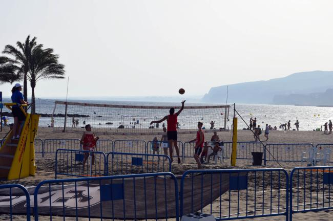 Los amantes del deporte se divertirán en la Feria con el torneo de voley playa