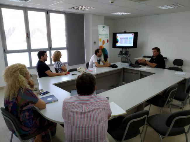 Emprendedores de Almería conocen las ventajas del marketing digital