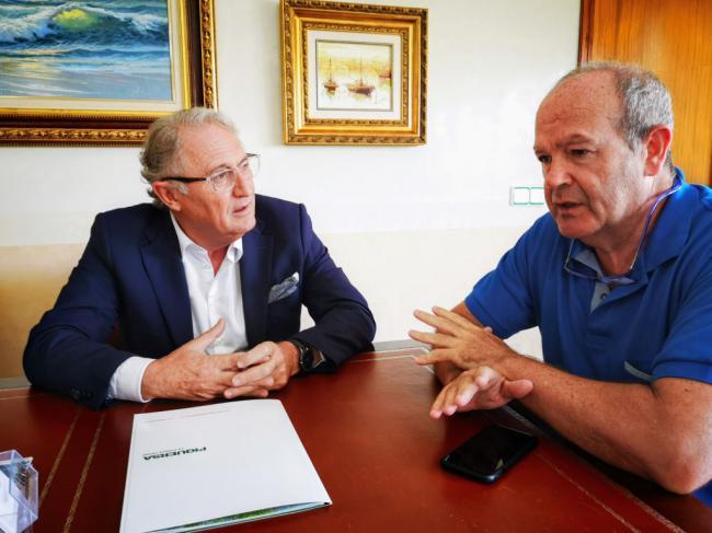 El presidente de la Autoridad Portuaria de Bilbao visita el Puerto de Almería