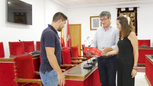 Ayuntamiento de Adra digitaliza el Salón de Plenos