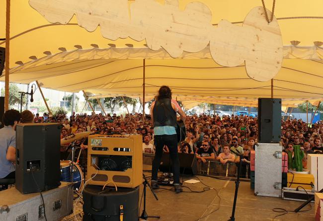 Cooltural Fest se deja sentir en el 'Escenario Ciudad' y en el 'Acústico Playa'