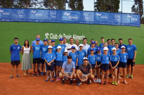 Sergio Gutiérrez vence a Jordi Muñoz por 6-4 y 6-2 en el Open de Tenis de #AlmeríaEnFeria