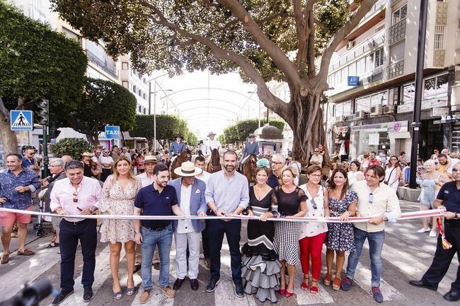 El tradicional paseo de caballos vuelve al centro por #AlmeríaEnFeria