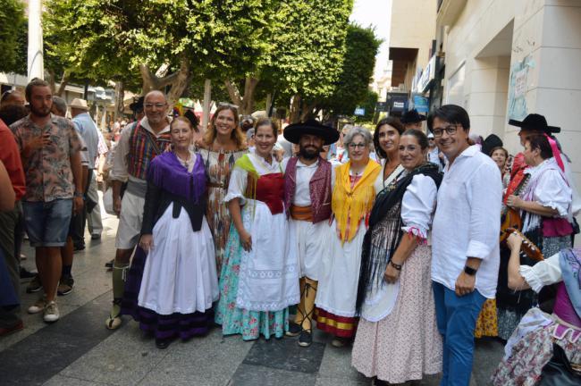 Las tradiciones desfilan en #AlmeríaenFeria con el VI Certamen de Indumentaria