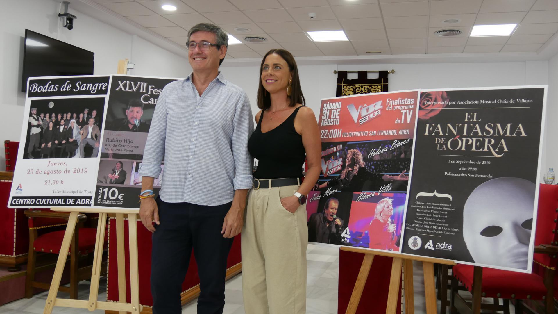 Los finalistas de La Voz Sénior, el Cante Grande y El Fantasma de la Ópera abren la Feria de Adra