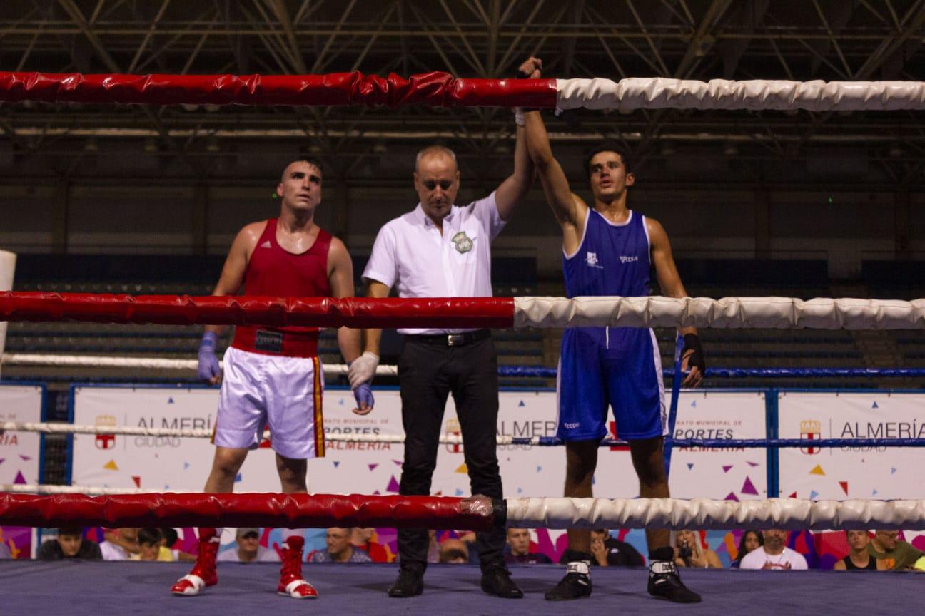 El boxeo golpea en #AlmeríaEnFeria con siete combates
