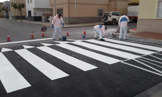 El Ayuntamiento de El Ejido mejora la seguridad vial en el entorno de los colegios