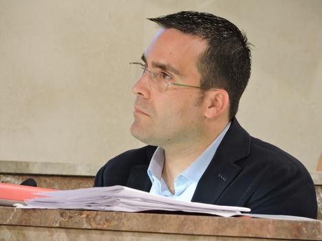 El PSOE reclama que el PP acepte las críticas en las redes sociales