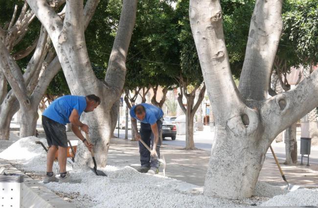 El Ayuntamiento de Adra acondiciona el Parque del Puerto