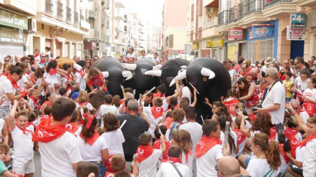 Casi un millar de personas en el XIV Encierro de San Nicolás de Tolentino