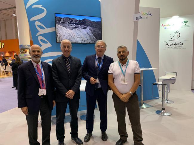 Caicedo apoya la coordinación entre los puertos de Andalucía atraer cruceros