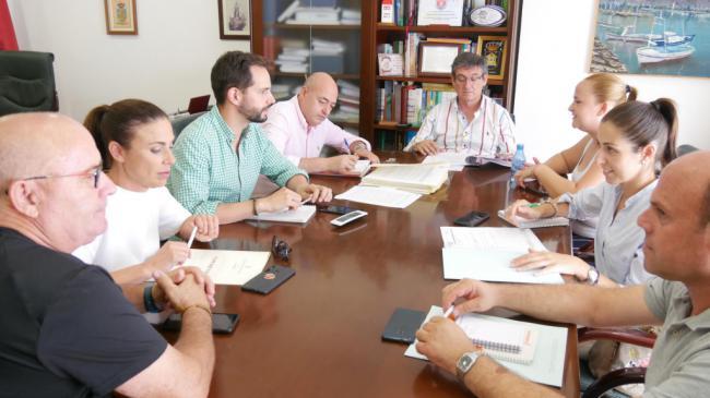 El Ayuntamiento de Adra refuerza la limpieza en los colegios públicos