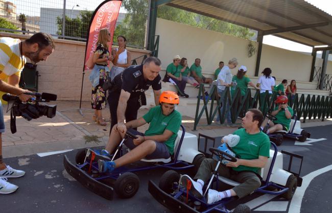 Personas de Verdiblanca aprenden y se divierten con la Semana de la Movilidad
