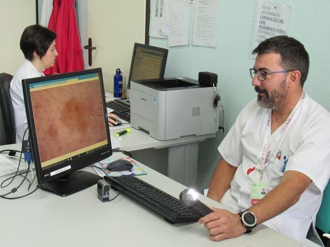 El Hospital de Poniente incrementó un 10,7% su actividad en consultas en verano