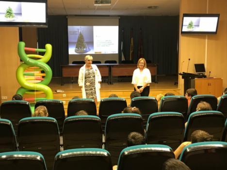 Hospital La Inmaculada acoge el taller 'Conviértete en científico por un día'