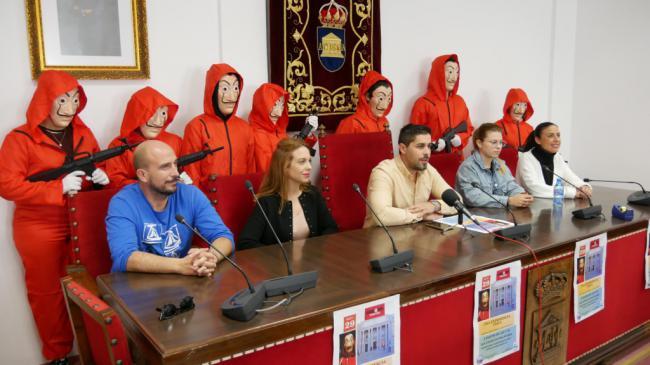 El Centro Cultural de Adra se convierte en el escenario de 'La Casa de Papel'