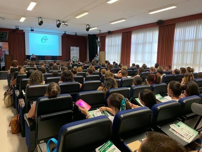 350 docentes en prácticas de Almería participan en las jornadas de CSIF