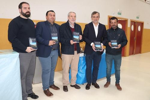 Presentado en San Agustín el libro 'Gastronomía y poesía en La Alpujarra'