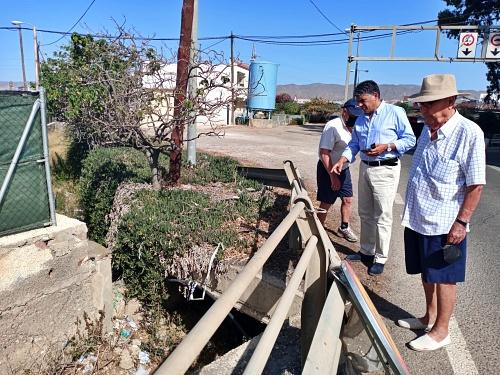 Cazorla conoce las demandas de los vecinos de los Partidores y La Cañada