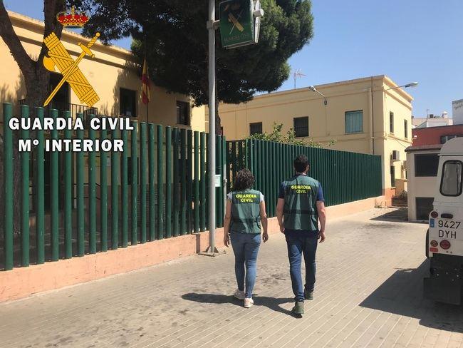 Detenido por amenazas con un arma blanca tras robar varios domicilios en Roquetas