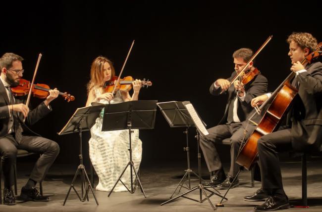 'Cuarteto Granada' deleita con un concierto lleno de sensibilidad y talento en el Teatro Apolo