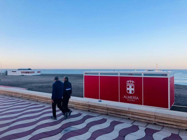 El Ayuntamiento adjudica las pasarelas articuladas de hormigón en las playas de Almería