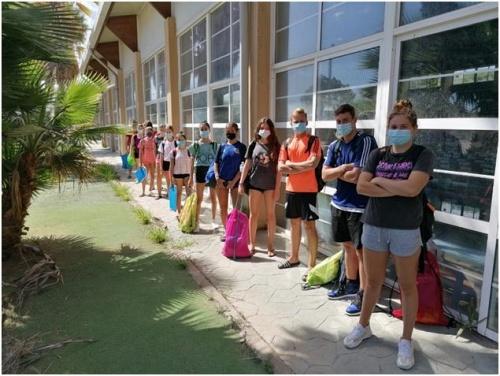 El Club Natación Almería comienza con 80 niños