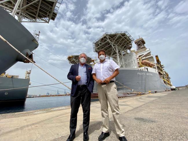 Caicedo visita los puertos de Las Palmas y Santa Cruz de Tenerife