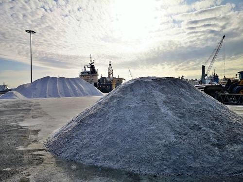 La comercialización de sal desde el Puerto de Almería creció un 250% en enero