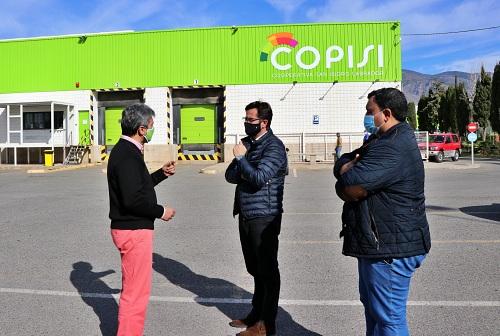 Góngora destaca la labor del sector hortofrutícola en su visita a COPISI