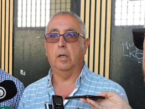 Alfonso dice reparto directo de horas en los campos de fútbol que el PSOE pidió era posible