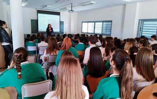Verdiblanca lleva 'Solidaridad por voluntad' a 2.500 estudiantes