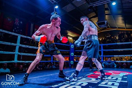 Salvador Barón, del Club Almería Boxing, vence en un 'Duelo de Invictos'
