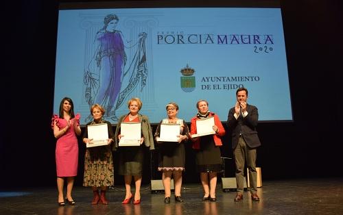 El Ayuntamiento de El Ejido homenajea a cuatro mujeres por su trayectoria en los Premios Porcia Maura