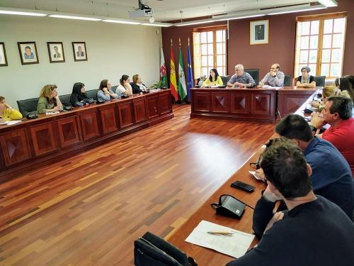 El Ayuntamiento de Huércal de Almería solicita una reunión con el delegado de Educación sobre el curso