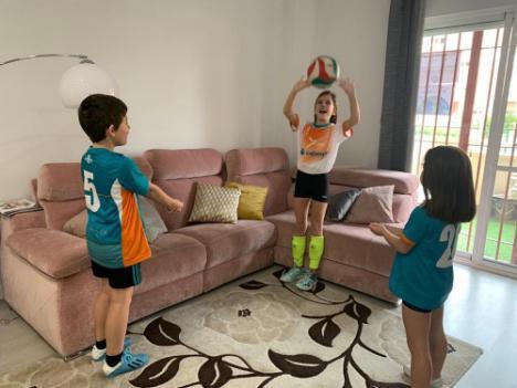 Las escuelas deportivas municipales de Almería trasladan su actividad a casa