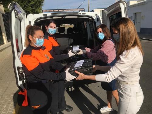 Entrega de material escolar a 209 familias ejidenses