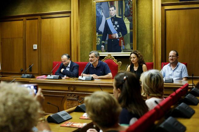 Fernando Yélamos presenta en Diputación 'Quejidos de tu Ausencia' en homenaje a su esposa