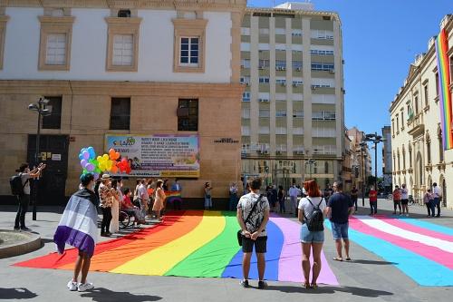 Almería levanta la voz por los derechos del Colectivo LGTBI
