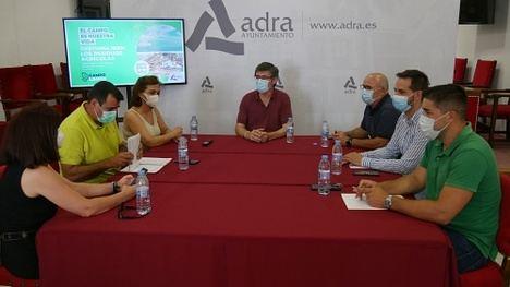 """Adra presenta la campaña """"El campo es nuestra vida"""" sobre gestión de residuos agrícolas"""