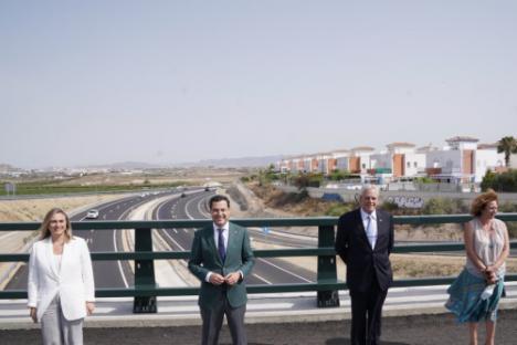 El presidente andaluz inaugura el desdoble de la carretera A-352 Vera-Garrucha