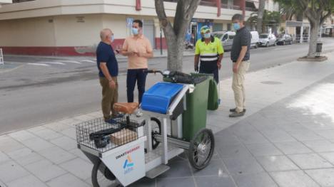 Ayuntamiento de Adra incorpora un triciclo eléctrico para mejorar la limpieza