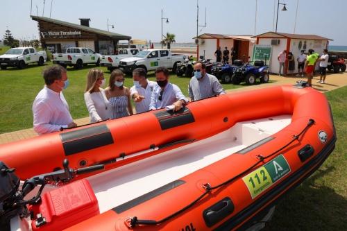 La Junta entrega a El Ejido vehículos y medios del Plan de Playas Seguras