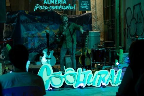 Villanueva sorprende con su rock de autor