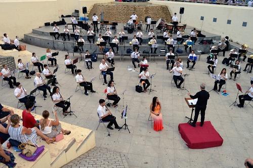 La Agrupación San Indalecio une talento y belleza musical en el Anfiteatro de la Rambla