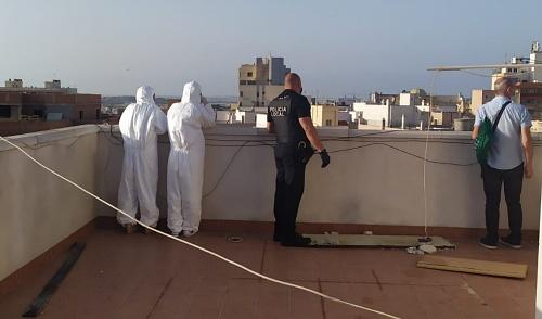 Policía de El Ejido desaloja un edificio con 57 okupas