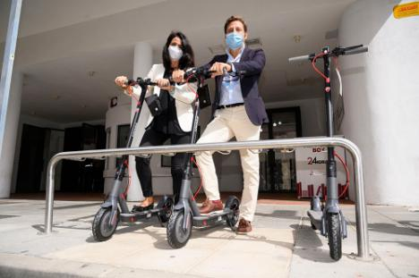Nuevos módulos de aparcamiento de bicicletas en el exterior de la Biblioteca Central