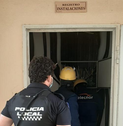 Endesa y Policía Local cortan los enganches ilegales en 95 viviendas 'Okupadas' de San Agustín