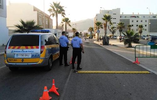 Policía Local de Adra realiza una campaña de vigilancia sobre camiones y autobuses