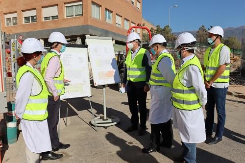 La ampliación del Hospital de Poniente permitirán renovar las áreas de UCI y Urgencias